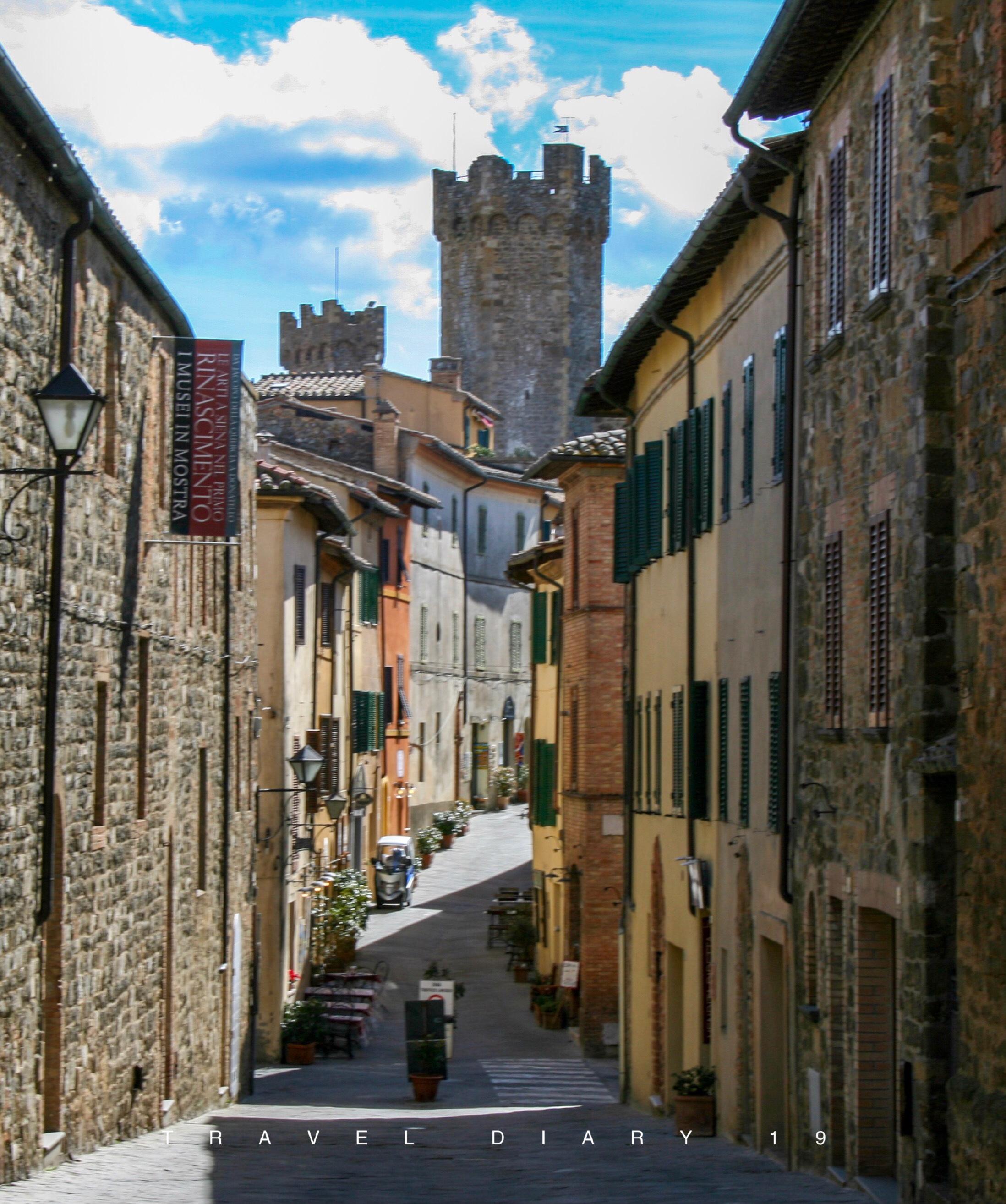 Per i vicoli di Montalcino