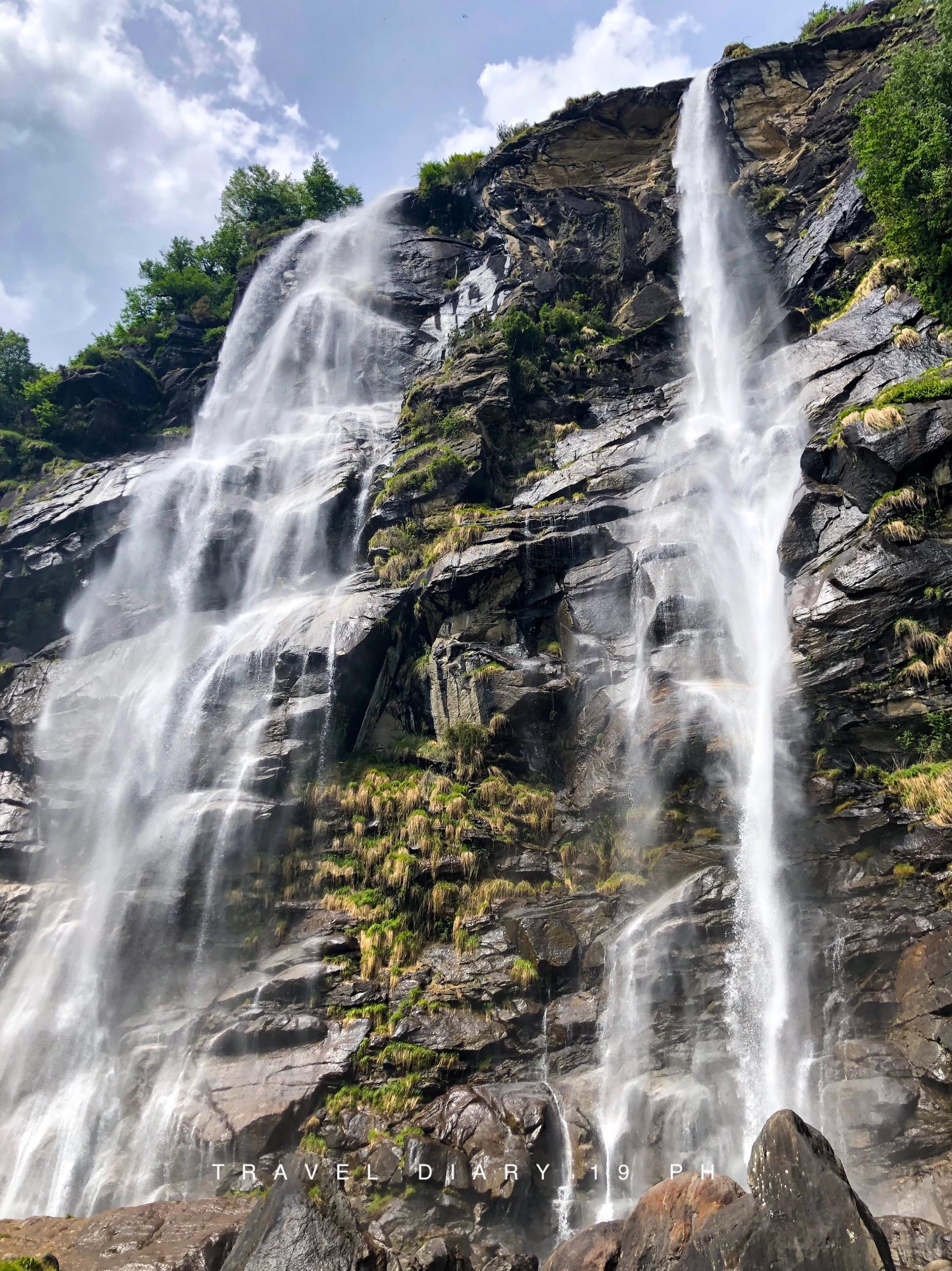 Il relax delle cascate dell'Acquafraggia, a Piuro