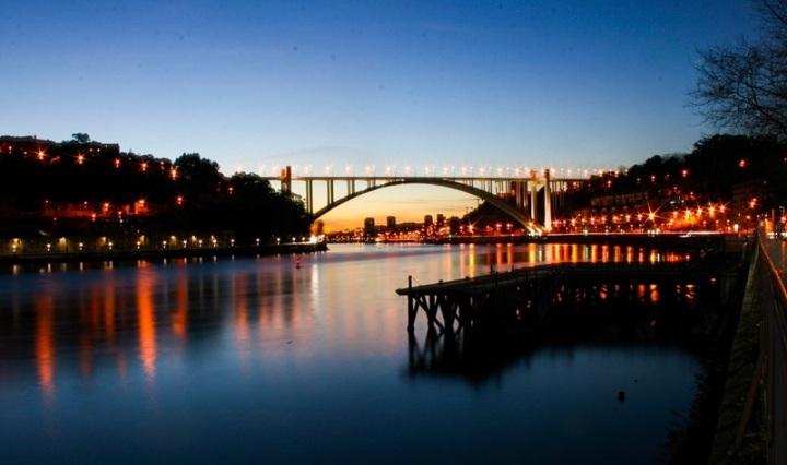 Stupendo tramonto, nel fascino di Porto