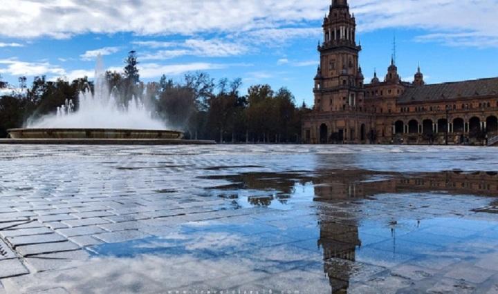 Piazza di Spagna, a Siviglia, durante il free walking tour