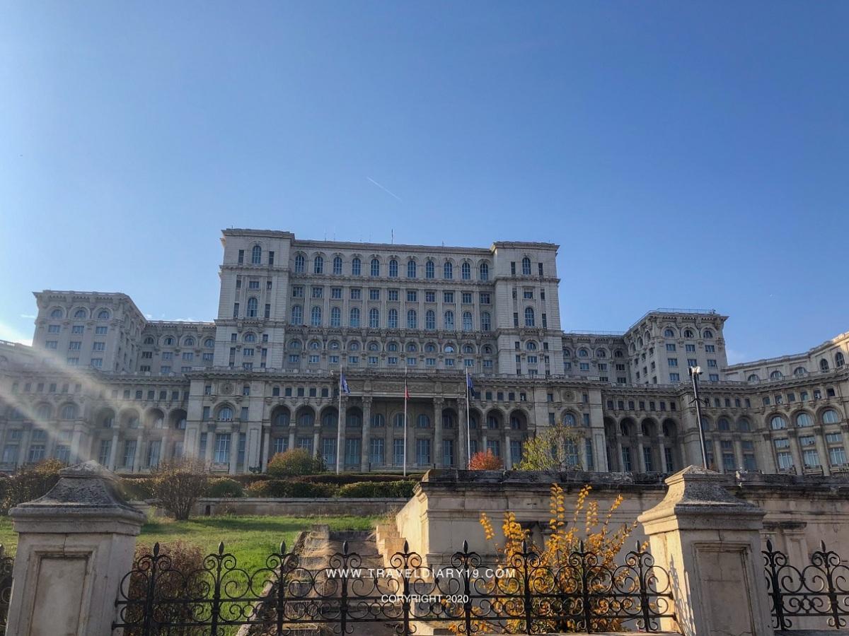 Il parlamento di Bucarest, un'edificio da vedere