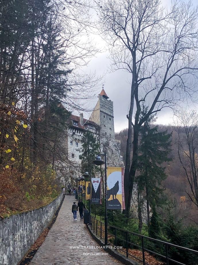 l'ingresso del castello di Dracula, a Brasov in Transilvania